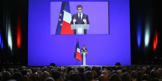 Nicolas Sarkozy pendant son discours sur la crise, à Toulon, le 1er décembre 2011.