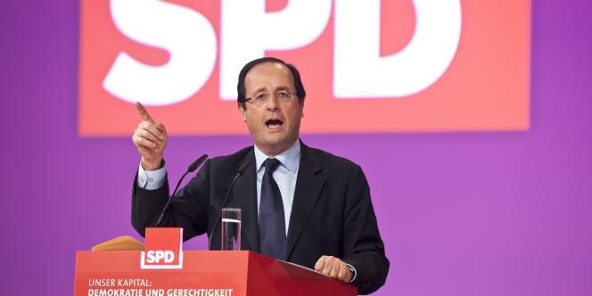 François Hollande au congrès du SPD, lundi 5 décembre à Berlin.