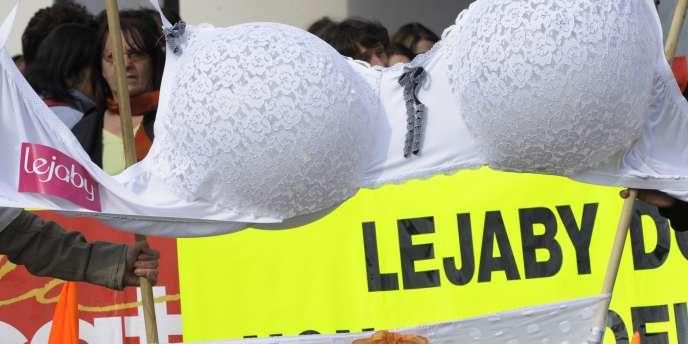 Le tribunal de commerce de Lyon a choisi le 18 janvier Alain Prost et ses associés comme repreneurs pour le fabricant de lingerie Lejaby.