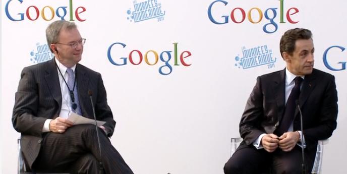 Eric Schmidt et Nicolas Sarkozy à Paris, le 6 décembre, lors de l'inauguration du nouveau siège français de Google.