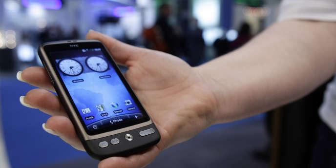 Un smartphone de la marque HTC.