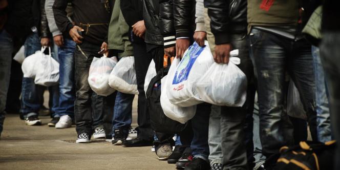 Des immigrants clandestins à Lampedusa, le 19 février 2011.