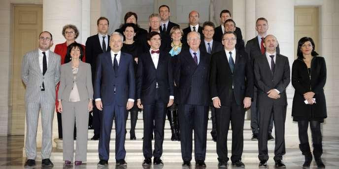 A peine intronisé, le nouveau gouvernement belge tiendra son premier des conseil des ministre, mardi 6 décembre.