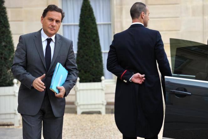 Eric Besson à la sortie de l'Elysée, en novembre. Le ministre n'est plus convié à des conversations en tête à tête avec le président.