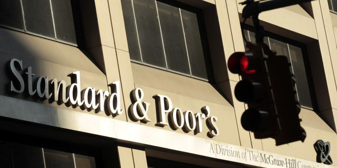 L'agence de notation Standard & Poor's avait trompé les investisseurs sur la qualité des crédits immobiliers « subprime », à l'origine de la crise financière de 2008.