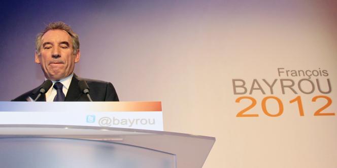 François Bayrou lors de l'annonce officielle de sa candidature, le 7 décembre 2011, à Paris.