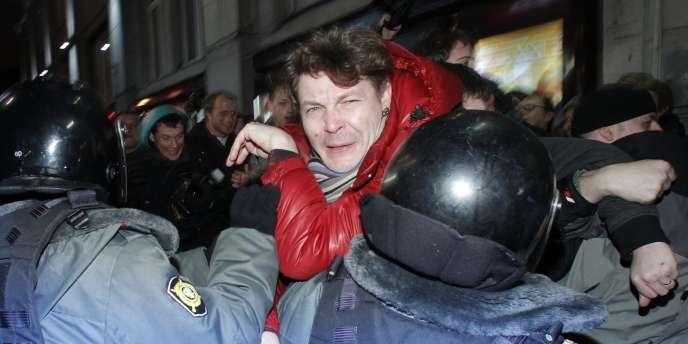 Plus de 560 opposants au parti Russie unie ont été interpellés lors d'une manifestation à Moscou. Sur la photo, Andreï Kozenko, journaliste au