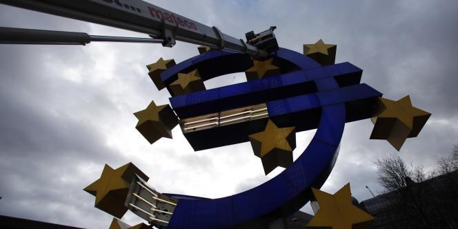 L'activité privée a continué de se contracter en mars dans la zone euro, traduisant un retour en récession au premier trimestre