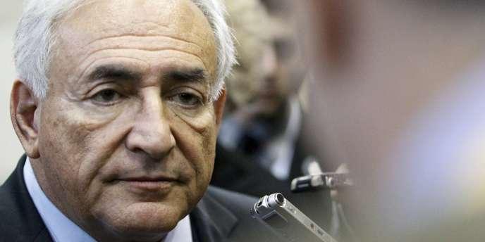 Le directeur du FMI, Dominique Strauss-Kahn, le 13 novembre 2010 à Tokyo.