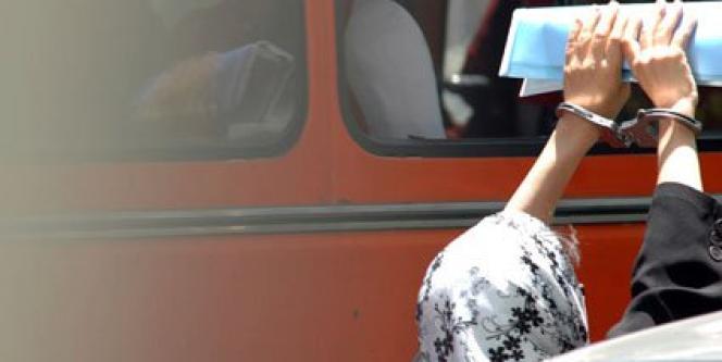Nasrin Sotoudeh, en mai 2011, lorsqu'elle avait été sortie de prison pour assister à la première séance d'examen, par le barreau de Téhéran, de la demande de radiation à son encontre déposée par les autorités judiciaires.