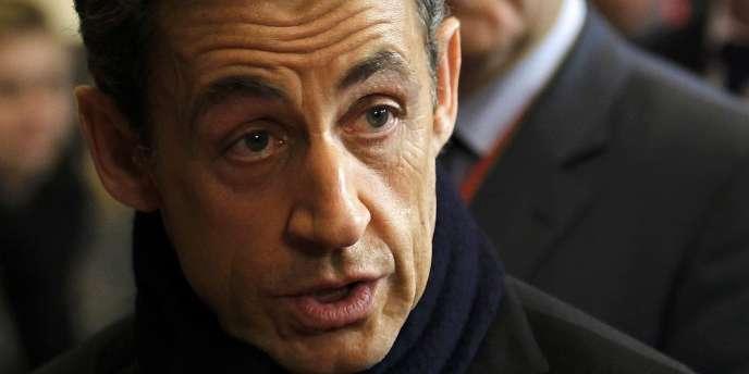 Pour M. Sarkozy Invité sur France 2 mardi 24 avril, la proposition du candidat Hollande sur le vote des étrangers représente