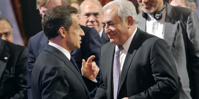Nicolas Sarkozy et Dominique Strauss-Kahn, le 18 février 2011 à Paris.