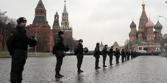 Le centre de la capitale était cadrillée par une concentration sans précédent de forces de l'ordre.