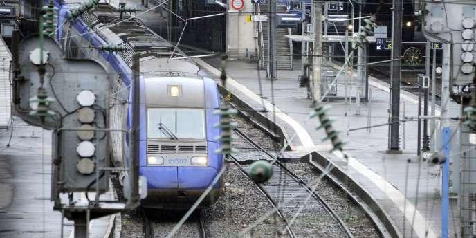 L'ouverture de la concurrence des trains d'équilibre du territoire (TET) et des trains express régionaux (TER) interviendra à partir de 2014.