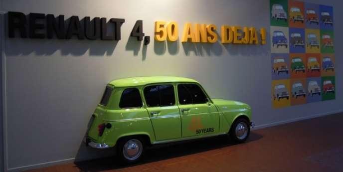 Exposition à la Cité de l'automobile de Mulhouse pour les 50 ans de la Renault 4.