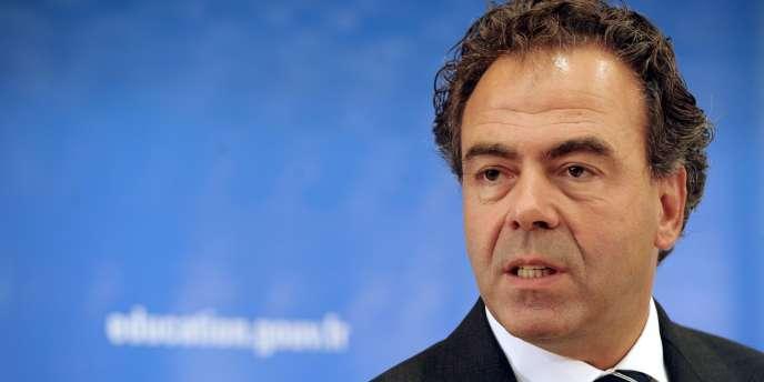 Le ministre de l'éducation nationale, Luc Chatel, lors d'une conférence de presse, en septembre 2011 à Paris.
