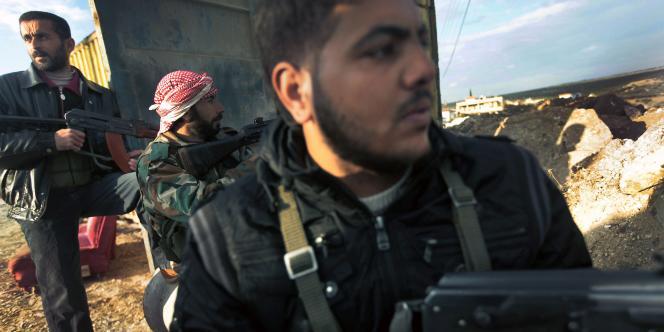 Des militaires de l'Armée libre de Syrie, le 7 décembre 2011.