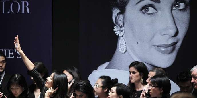 Vente des bijoux de l'actrice à New York, mardi 13 décembre 2011.