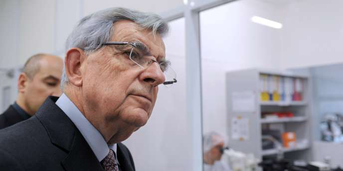 Jean-Pierre Chevènement lors d'une visite chez EADS, le 24 novembre 2011.