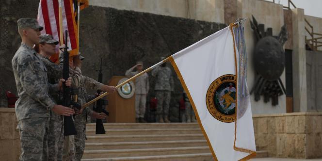 Les Etats-Unis ont replié symboliquement le drapeau des forces américaines en Irak (USF-I).