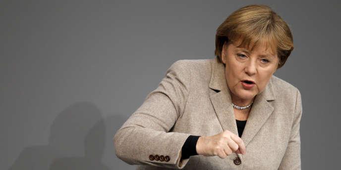 Angela Merkel devant le Bundestag, à Berlin, en décembre 2011.