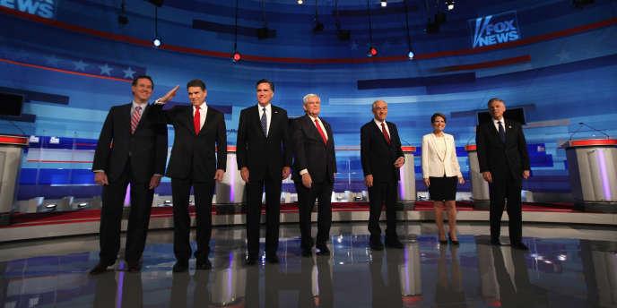 Les candidats républicains, lors du débat organisé par Fox News, le 15 décembre à Sioux City, dans l'Iowa.