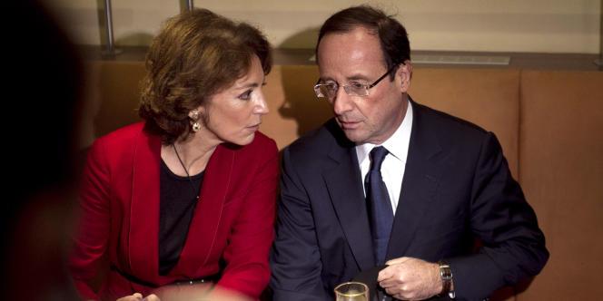François Hollande et Marisol Touraine, députée PS, chargée du pôle social dans son équipe de campagne.