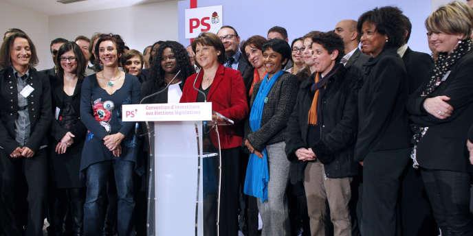 Martine Aubry avec les candidats aux législatives lors de la Convention d'investiture, le 10 décembre à La Défense.
