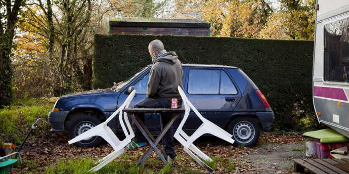 Mickaël, 27 ans, vit au camping de Héric (Loire-Atlantique) depuis plus d'un an.