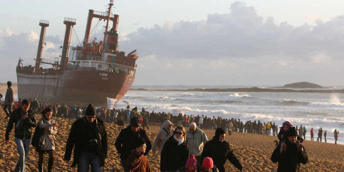 Suite à l'échouement d'un cargo maltais sur une plage du Morbihan lors de la tempête Joachim, vendredi, la région de Bretagne a déposé plainte et s'est constituée partie civile.