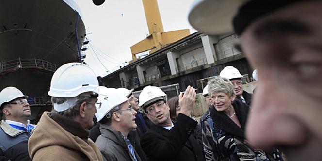 François Hollande au chantier naval STX de Saint-Nazaire, lundi 19 décembre.