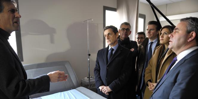Le président de la République a visité un centre médical des Vans (Ardèche), le 20 décembre 2011.
