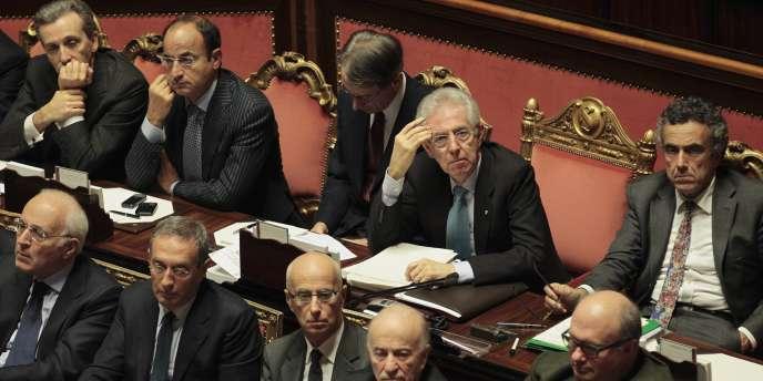 Mario Monti, celui qui se gratte le front, et son gouvernement ont publié leur déclaration de patrimoine.
