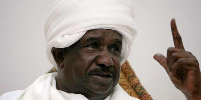Le Soudanais Mohammed Ahmed Moustapha Al-Dabi, chef de la mission d'observateurs en Syrie, le 21 décembre 2011 à Khartoum.