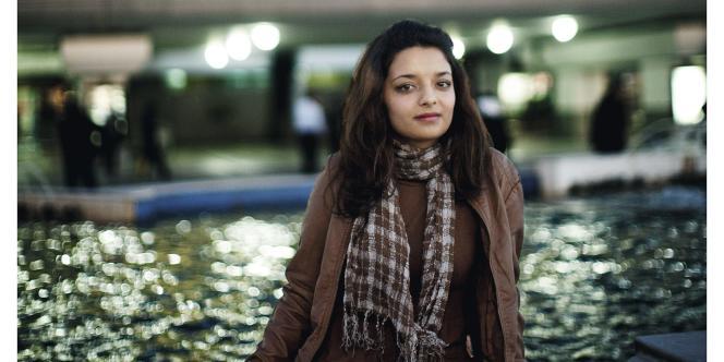 Maha Issaoui à l'aéroport de Tunis, le 14 décembre 2011.
