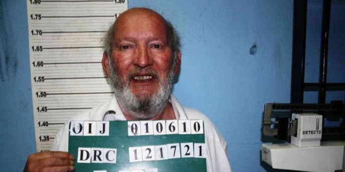 Interpol précise sur son site que Jean-Claude Mas est recherché par le Costa Rica pour des crimes portant atteinte à