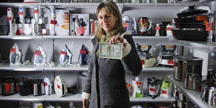 Fina Rodriguez,  vendeuse d'appareils electro-ménagers a  enregistré le record du village : 90 000 pesestas dépensées en une fois par l'un de ses clients.