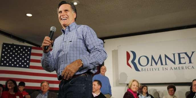 Mitt Romney en campagne, auprès d'une association de vétérans de l'armée américaine, à Merrimack, dans le New Hampshire, le 30 décembre 2011.