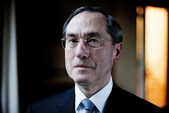Claude Guéant au ministère de l'intérieur le 30 décembre 2011.