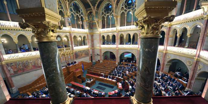 La chambre haute du Parlement hongrois, à Budapest.