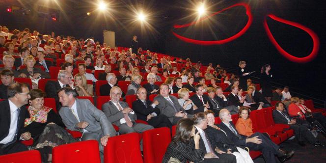 Prenons la semaine du 13 février. Sur les 5 600 écrans que compte l'Hexagone, 4 693 étaient monopolisés par dix films.