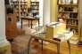 L'intérieur d'une librairie à Paris.