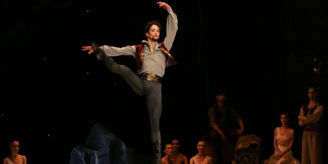 Le danseur étoile Stéphane Bullion lors d'une représentation en Russie en avril 2007.