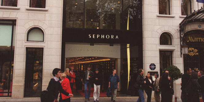 Le magasin Sephora des Champs-Elysées avait été autorisé, en décembre 2012, à ouvrir après 21 heures, selon l'ordonnance du tribunal de grande instance du jeudi 6 décembre.