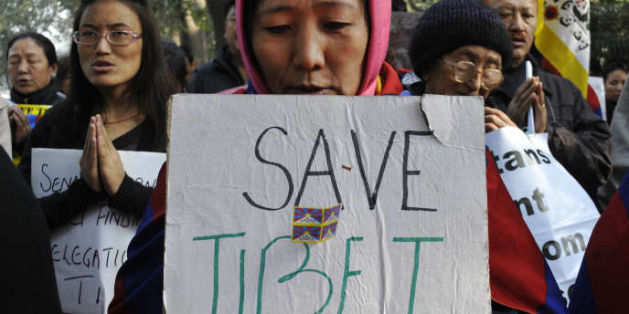 Les exilés tibétains manifestent à New Delhi pour attirer l'attention de la communauté internationale sur le manque de liberté au Tibet et en soutien aux Tibétains