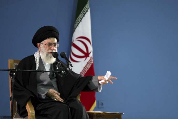 Les candidats les plus menaçants pour le pouvoir de l'ayatollah Ali Khamenei ont été écartés de la course électorale.