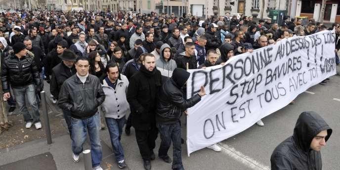 Quelque 500 à 600 personnes avaient défilé le 7 janvier 2012 à Clermont-Ferrand en soutien à Wissam El-Yamni, arrêté de façon