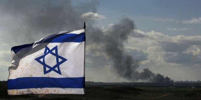 Des raids similaires en 2009 au Soudan contre de présumés convois d'armes à destination du mouvement islamiste Hamas ont été attribués à l'armée israélienne.