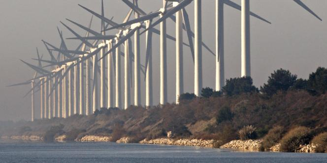 Ferme d'éoliennes, dans la région de Marseille.