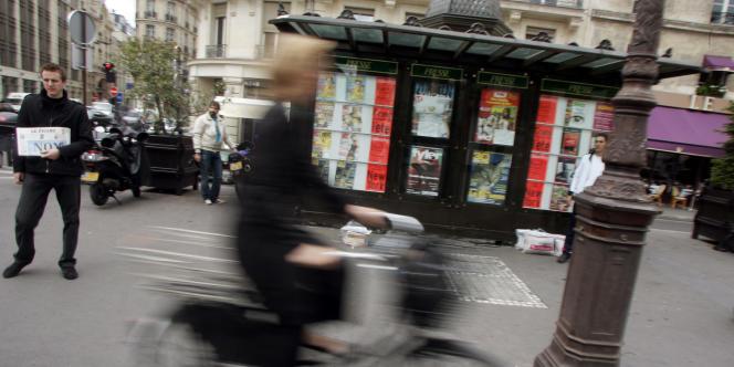 Un kiosque parisien.